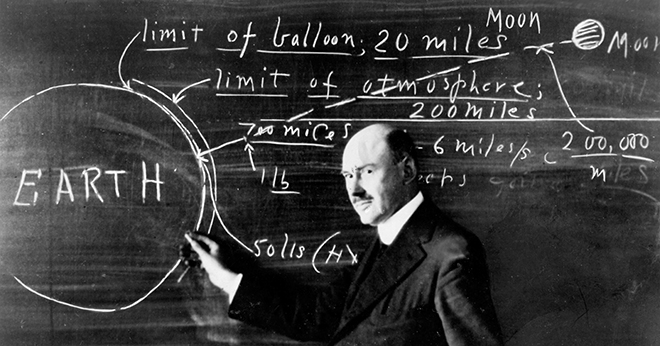 robert-goddard-at-blackboard-clark-university